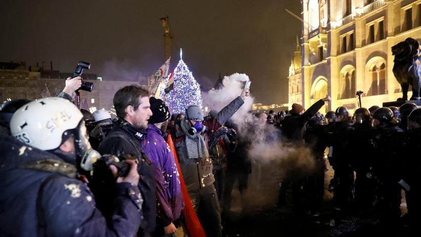 Ungarn: Gewalt bei Protesten gegen Viktor Orbán