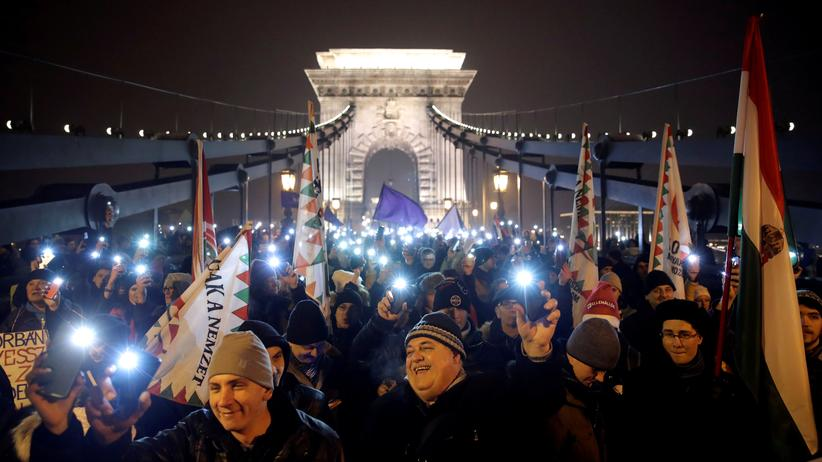 Ungarn: Erneut Großkundgebung gegen Viktor Orbán