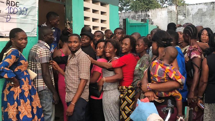 Präsidentschaftswahl im Kongo: Wahlmaschinen ohne Strom