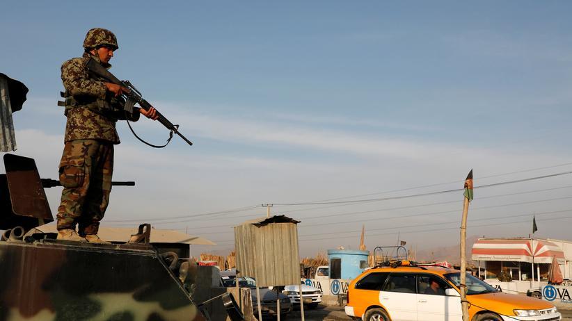 Afghanistan: Taliban bekennen sich zu Anschlag in Kabul