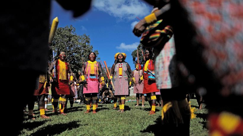 Brasiliens Regierung: Jair Bolsonaro baut Schutz indigener Völker ab