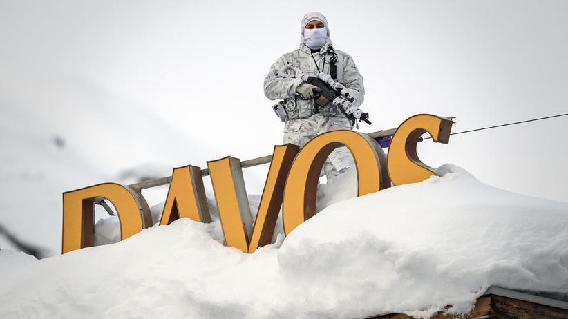 Davos: Nato-Staaten wollen Verteidigungsausgaben erhöhen