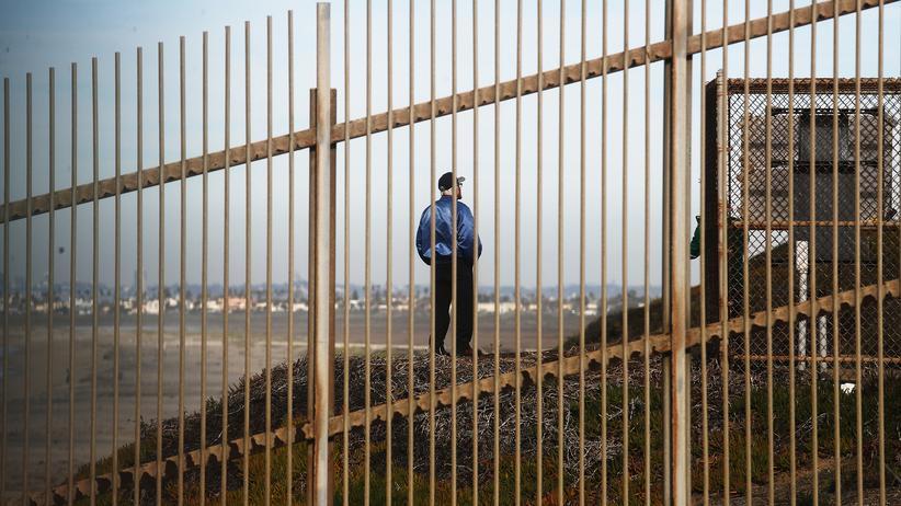 USA: Barriere an der Grenze zwischen den USA und Mexiko bei Tijuana