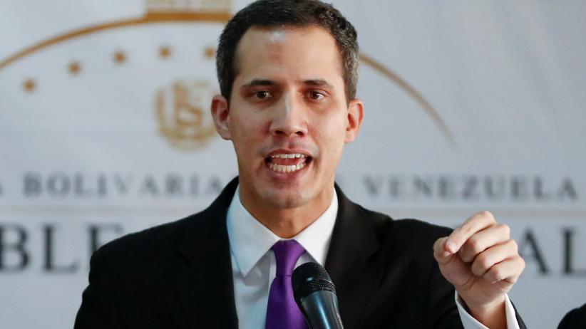 Venezuela: Parlamentspräsident Juan Guaidó ruft zum Widerstand auf.