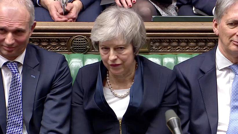 Misstrauensvotum: Livestream: Opposition will Theresa May stürzen