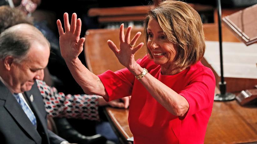 US-Kongress: Nach Präsident und Vizepräsident steht Nancy Pelosi als Sprecherin des Repräsentantenhauses an dritter Stelle in der amerikanischen Demokratie.