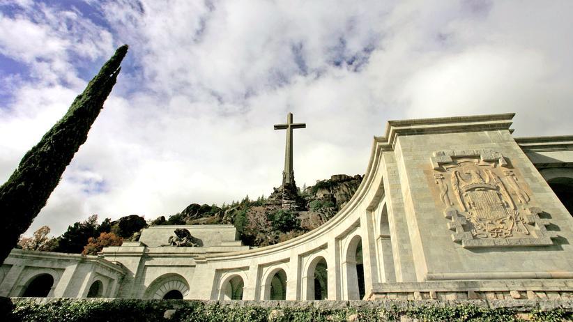 Pedro Sánchez: Die Felsenkirche im Valle de los Caídos, dem Tal der Gefallenen: Im Innern liegt der spanische Diktator Franco begraben.