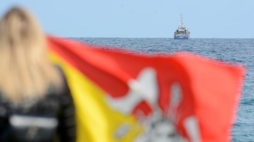 """Seenotrettung: Flüchtlinge der """"Sea-Watch 3"""" können an Land"""