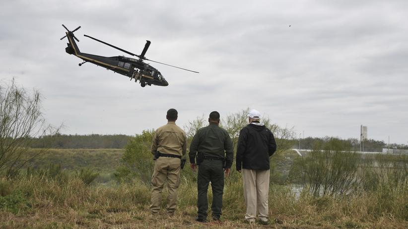 US-Haushaltsstreit: Donald Trump könnte Armeemittel für Mauerbau einsetzen