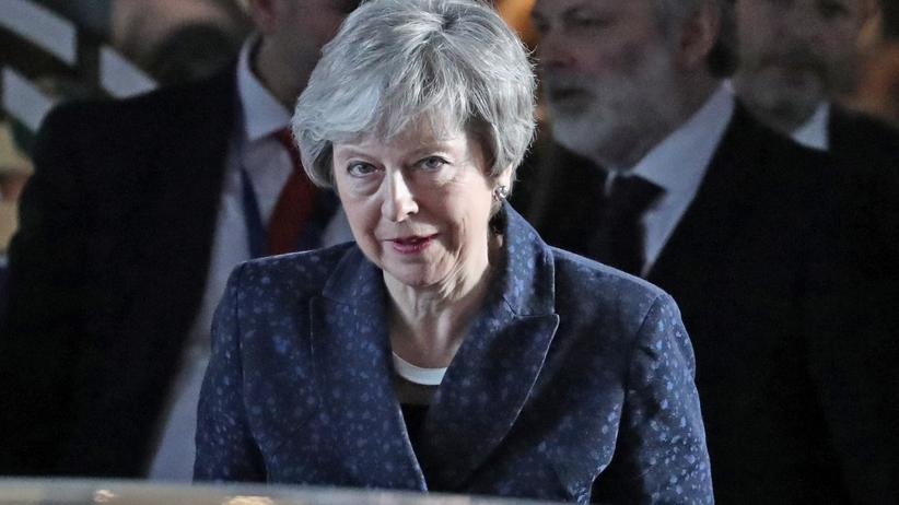 Brexit: Konservative Politiker drohen Theresa May