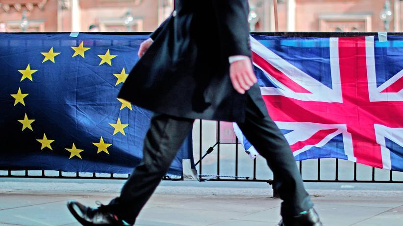 Großbritannien: Minister fordern Brexit-Verschiebung