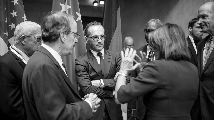 Europäische Union: Bundesaußenminister Heiko Maas (SPD) bei der Münchner Sicherheitskonferenz im Gespräch mit Nancy Pelosi, Fraktionsvorsitzende der Demokratischen Partei im Repräsentantenhaus der USA.