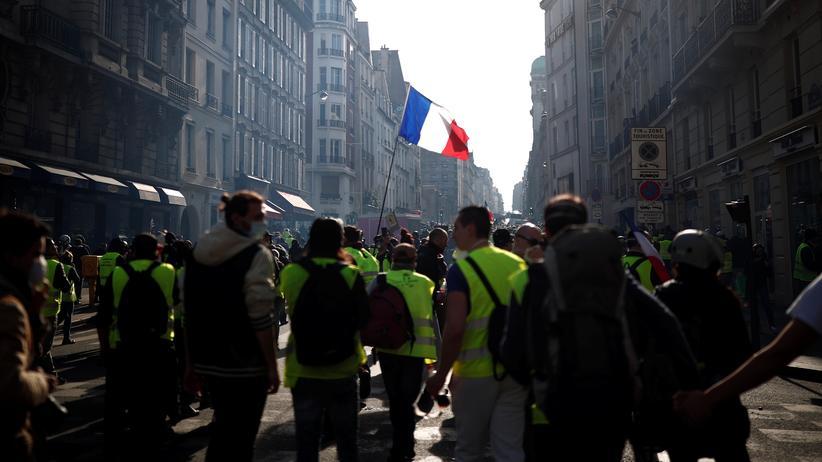 Frankreich: Gelbwesten-Demonstranten in Paris