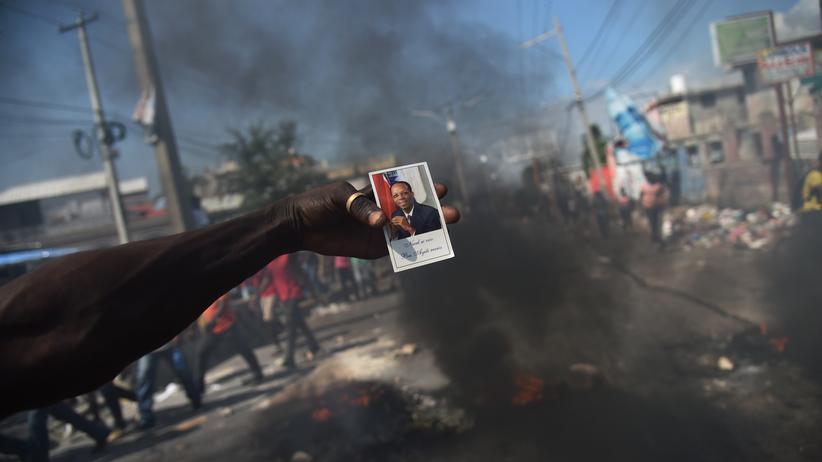 Port-au-Prince: Demonstrationen gegen Haitis Regierung