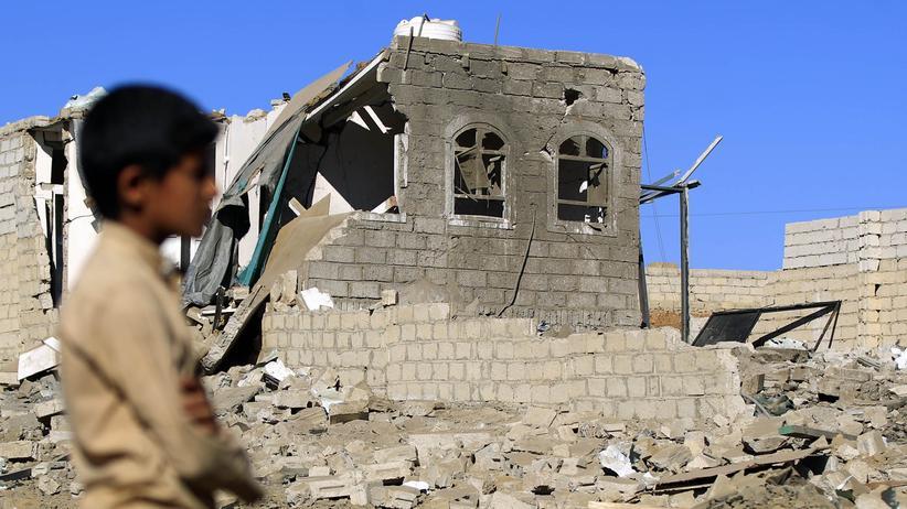Amnesty International: Blick auf ein von der saudischen Luftwaffe zerstörtes Haus in der jemenitischen Hauptstadt Sanaa