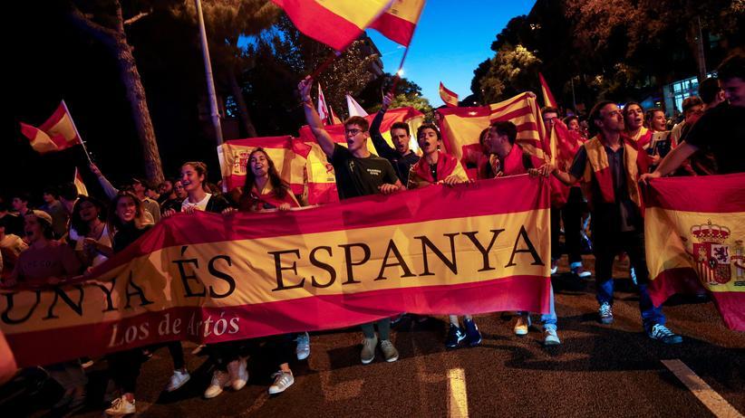 Katalonien: Pro-Spanien Protest in Barcelona im Oktober 2018