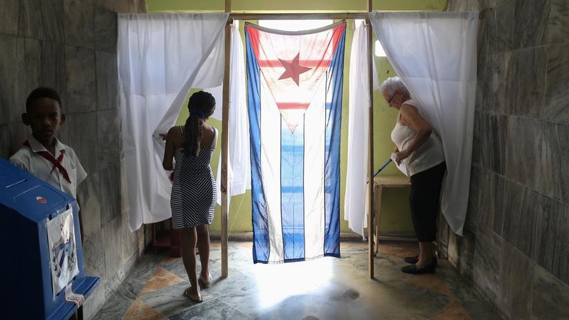 Referendum: Kubaner stimmen für eine neue Verfassung