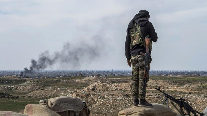 """""""Islamischer Staat"""": Kämpfer der Syrischen Demokratischen Kräfte in Ostsyrien"""
