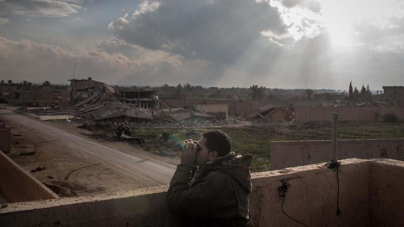 Terrorismus: Die Syrischen Demokratischen Kräfte überwachen unter anderem die Frontlinie in Bagouz, Syrien.