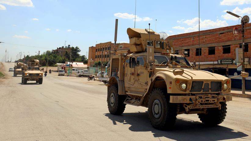 Donald Trump: Fahrzeuge der von den USA geführten Militärkoalition in Syrien (Archivbild)