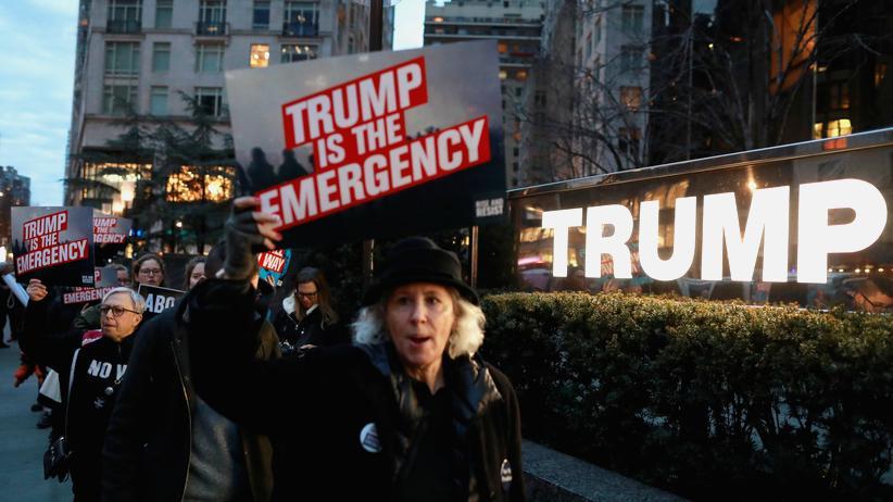 USA: Erste Klage gegen Notstandserklärung eingereicht