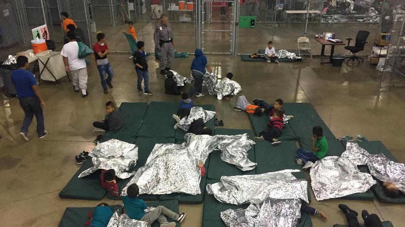 USA: Tausende Flüchtlingskinder klagen über Missbrauch in US-Unterkünften
