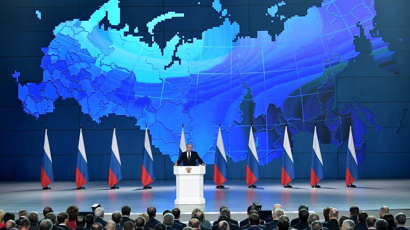 Wladimir Putin: Russischer Präsident droht den USA – und beschwichtigt nach innen