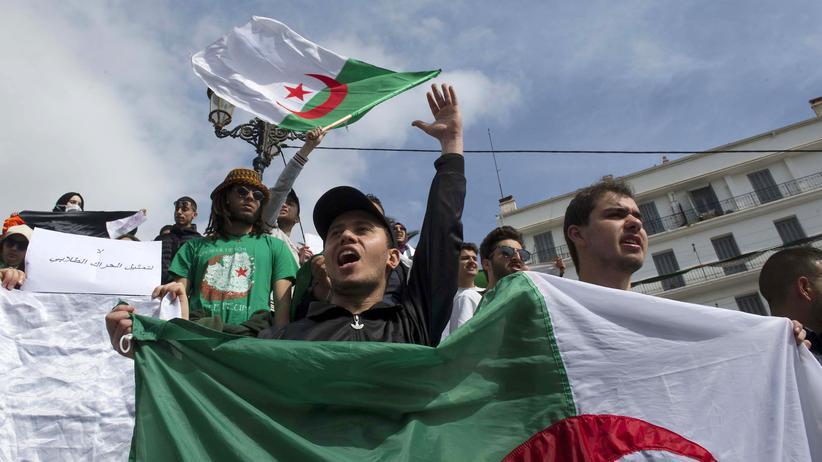 Ahmed Gaid Salah: Algeriens Opposition warnt vor Militärputsch
