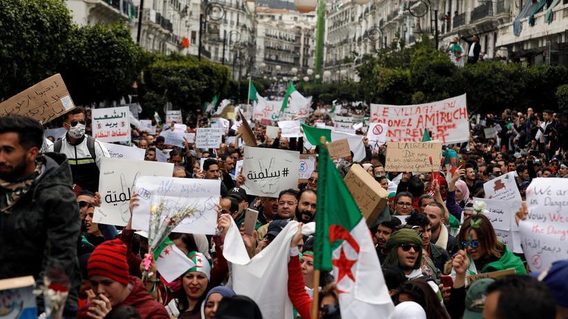 Algerien: 195 Festnahmen bei Protesten gegen Abdelaziz Bouteflika