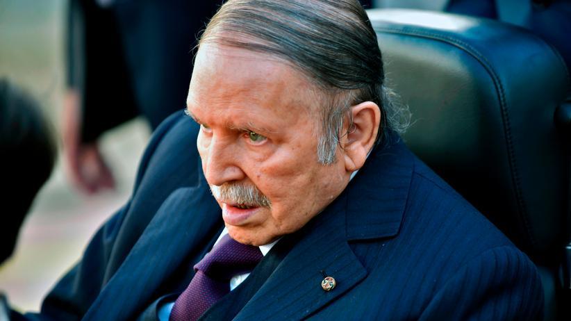 Algerien: Präsident Bouteflika verspricht Verfassungsreform