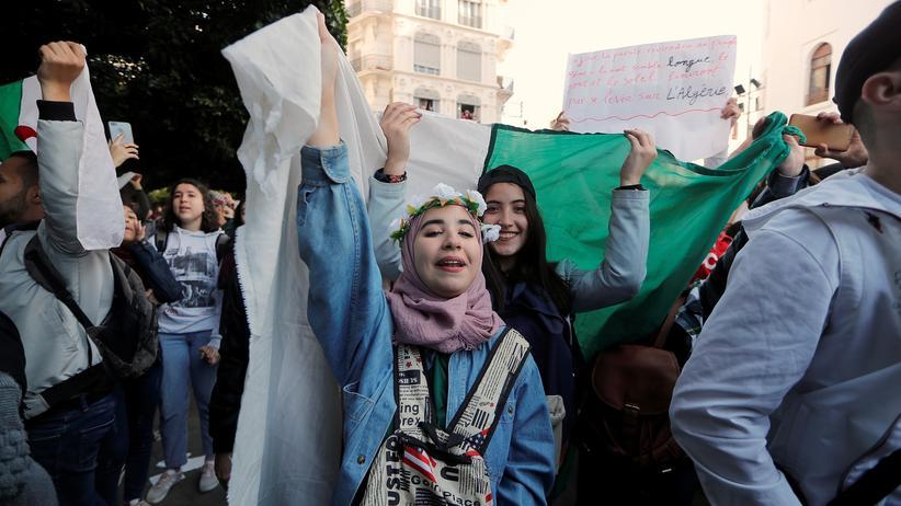 Algerien: Armee warnt vor Ausufern der Proteste gegen Abdelaziz Bouteflika