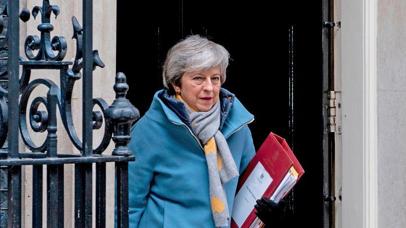 EU-Austrittsabstimmung: Die britische Premierministerin Theresa May in der Downing Street in London