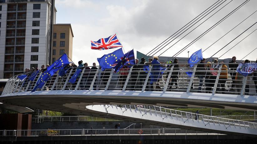 Brexit: Elmar Brok hält Zustimmung zu Fristverlängerung für unsicher