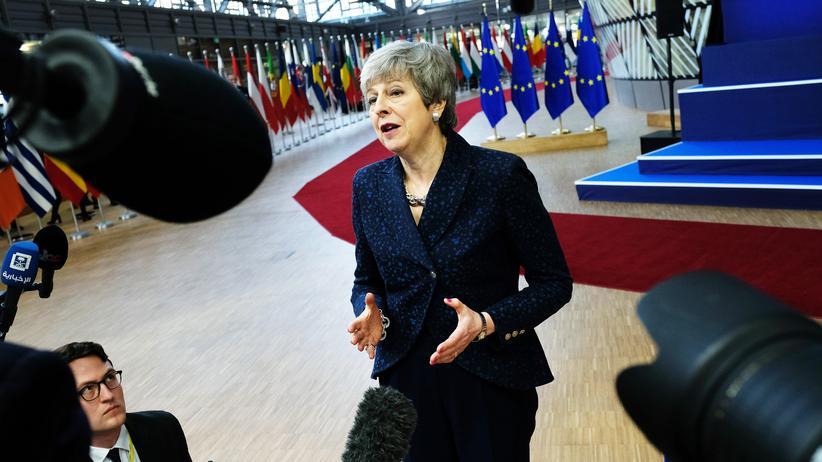 Presseschau zum Brexit: Die britische Premierministerin Theresa May auf dem EU-Gipfel in Brüssel