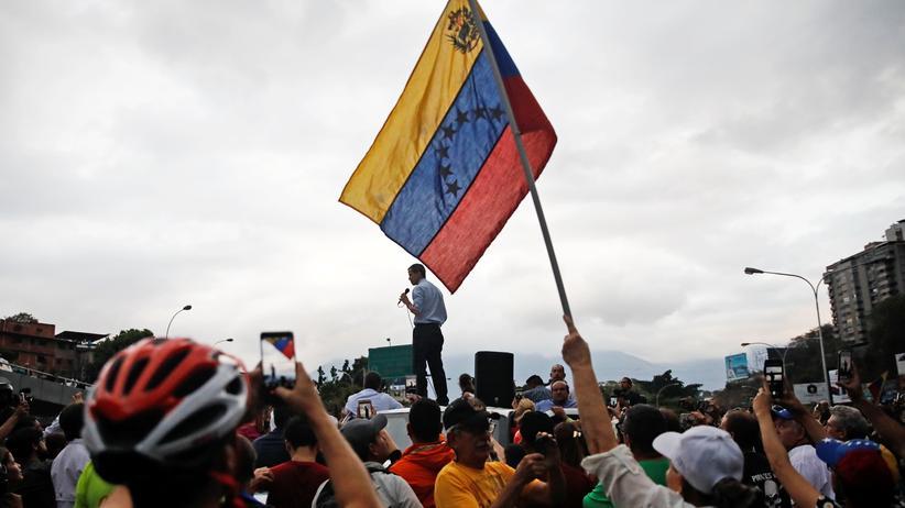 Venezuela: USA kündigen Sanktionen gegen Geldinstitute an