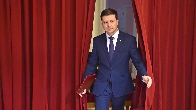NACH DEM WAHLSIEG VON WOLODYMYR SELENSKYJ: IM OSTEN NICHTS NEUES  Ukraine: Krawallmacher für Brüssel gesucht!