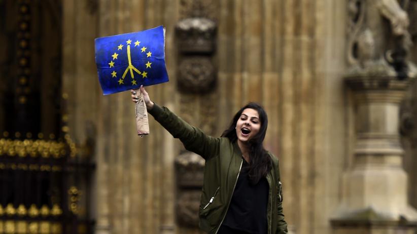 Brexit: Unterhaus will No Deal gesetzlich verbieten lassen
