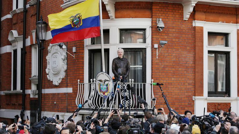 WikiLeaks: Julian Assange spricht auf dem Balkon der Botschaft von Ecuador in London (Foto vom Mai 2017)