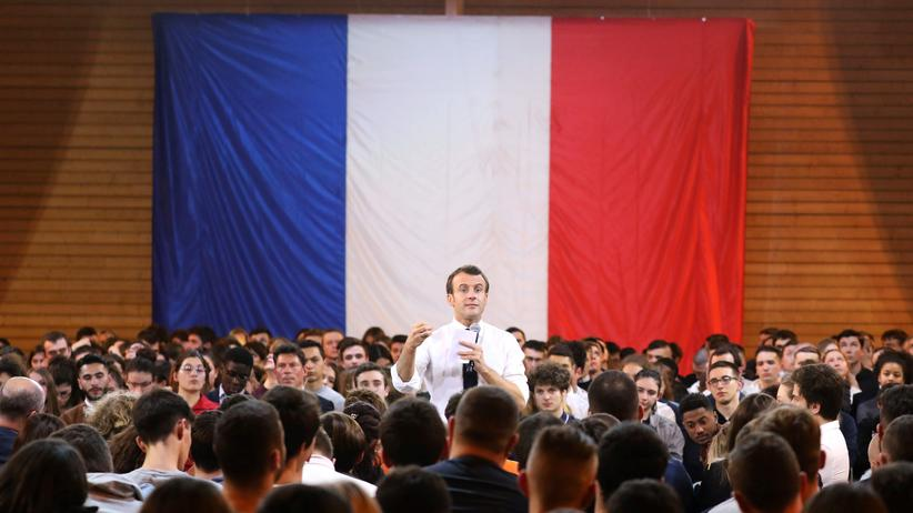 Frankreich: Frankreichs Präsident Emmanuel Macron bei einer Debatte in Etang-sur-Arroux im Februar 2019