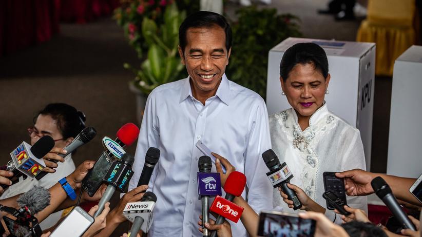Joko Widodo : Amtsinhaber mit deutlichem Vorsprung bei Präsidentenwahl in Indonesien