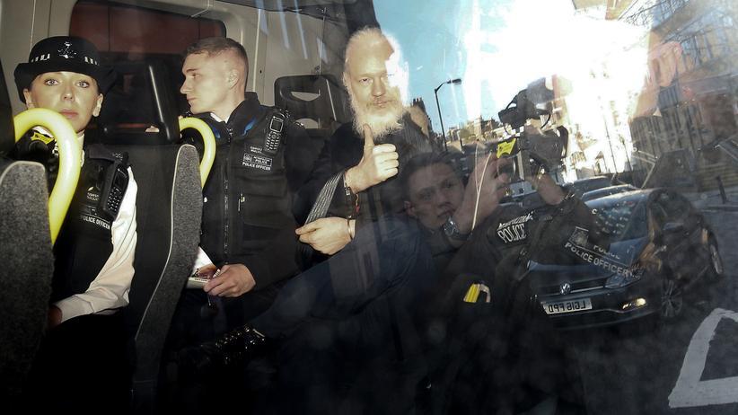 Julian Assange: Mann mit Botschaft