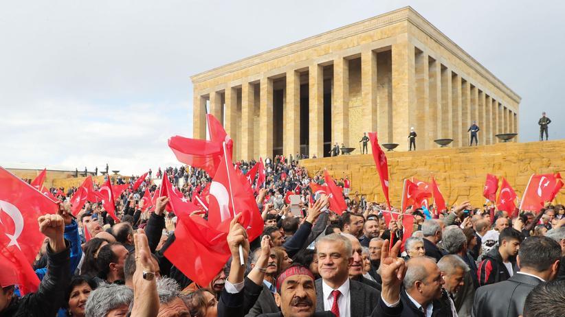 Kommunalwahlen in der Türkei: Wahlbehörde lehnt komplette Neuauszählung in Istanbul ab