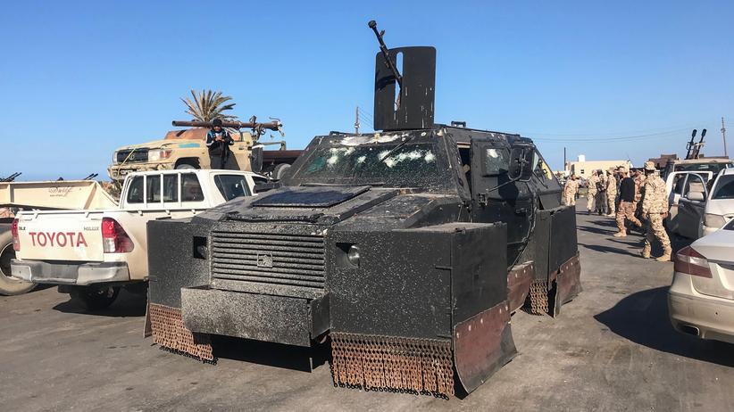 Libyen: Anhänger der Regierung kündigen Offensive gegen Haftars Vormarsch an