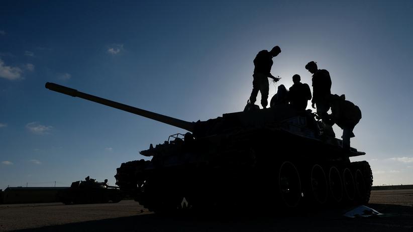 Libyen: Regierung wirft Frankreich Unterstützung Haftars vor