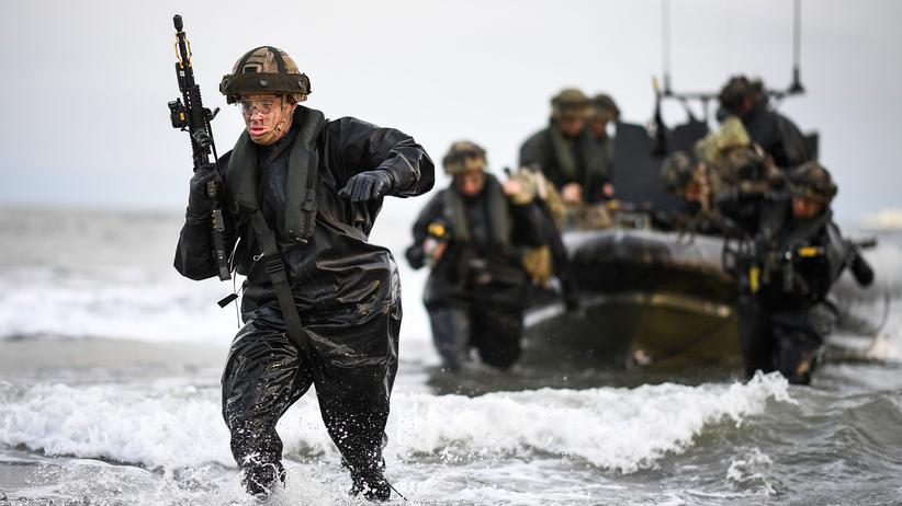 Nato Verteidigung Ausgaben: Britische Soldaten im Rahmen einer Übung von Nato-Mitgliedsstaaten in Schottland