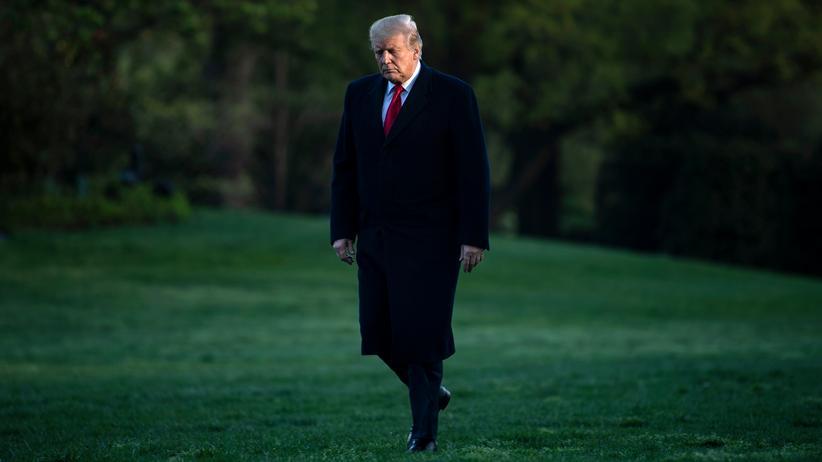 Robert Mueller: US-Präsident Donald Trump auf dem Rasen des Weißen Hauses in Washington