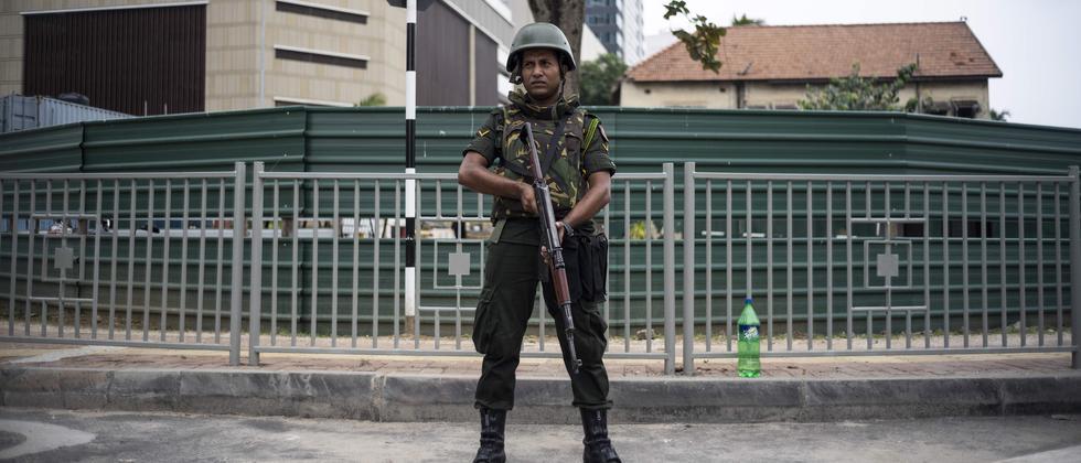 Sri Lanka: Mehr als ein Dutzend Tote nach Explosionen in umstelltem Haus