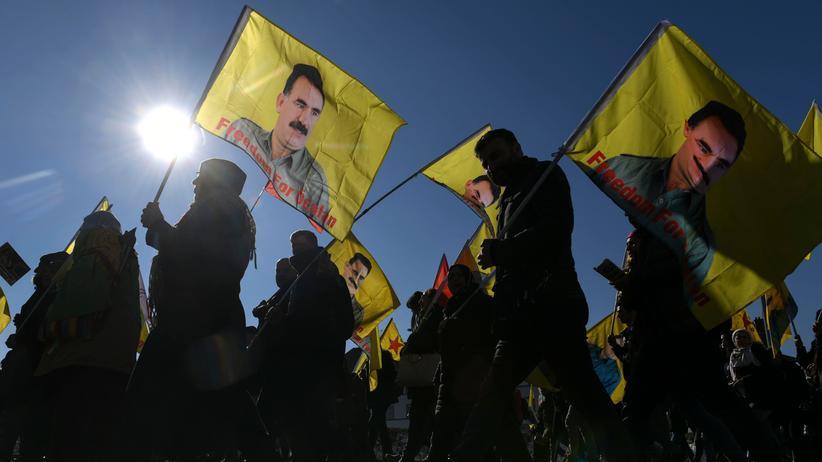 Abdullah Öcalan: Inhaftierter PKK-Gründer darf seine Anwälte wieder empfangen