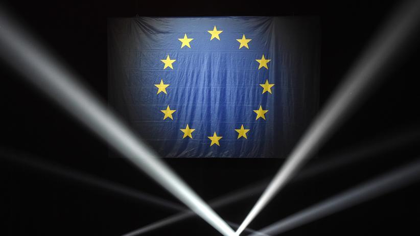 Europawahl: Europäische Flagge bei einer Veranstaltung vor den Europawahlen