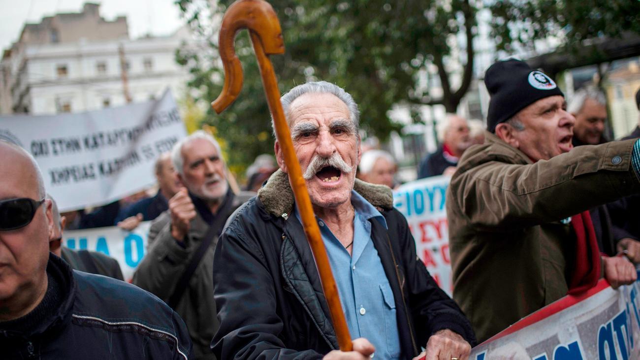 Alexis Tsipras: Griechenland beschließt Steuersenkung und Rentenzulage